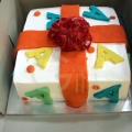 GF0042-Present Shaped Cake