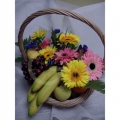 QF1147-Mixed Daisies Gerberas Fruits Basket